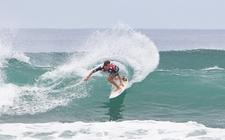 Images_139076_thumb_jhony-corzo-dominando-las-olas