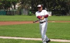 Images_141027_thumb_lopez-obrador-jugando-beisbol-facebook_0_20_478_297