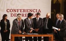 Images_158293_thumb_presidente-lopez-obrador-firma-bancario_0_36_800_497
