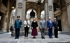 Images_164228_thumb_amlo-encabeza-guardia-honor-aniversario_0_43_1024_637