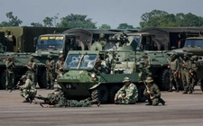 Images_167605_thumb_miembros-fuerzas-armadas-bolivarianas-venezuela_0_36_800_497