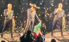 Images_167886_thumb_alejandro-fernandez-celebro-independencia-mexico_46_0_911_566