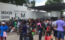 Images_169351_thumb_migrantes-piden-autoridades-mexicanas-aceleran