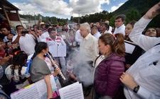 Images_169380_thumb_oaxaca-pobladores-tlaxiaco-limpia-amlo_0_21_958_596