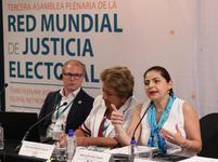 Images_170314_thumb_magistrada_m%c3%b3nica_soto_fregoso_red_mundial_de_justicia_electoral_3a_plenaria(2)