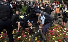 Images_185440_thumb_policia-reconocia-derechos-libertad-expresion_0_4_1137_706