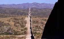 Images_187275_thumb_muro-fronterizo-cancelado-gobierno-joe_85_76_854_531