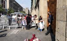 Images_187480_thumb_padres-ingresaron-palacio-nacional-reunirse_0_0_1200_747